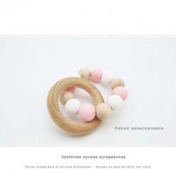 Anneau de dentition avec anneau en bois et perles de silicone rose et blanc personnalisable pour bébé