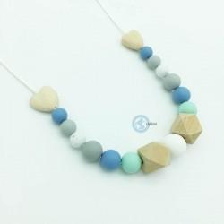 Collier de portage ou d'allaitement en silicone et bois avec ces perles hexagonales et cœur en bois