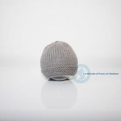 Bonnet bébé gris élégant