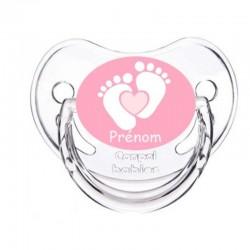 tétine personnalisée pieds de bébé rose avec le prénom de l'enfant