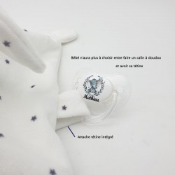 Doudou lapin brodé personnalisé au prénom de l'enfant avec attache tétine intégré