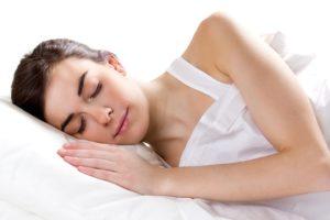 femme endormie - Conçu par Nensuria - Freepik.com