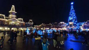 Les lumières de Noël éclairent Disneyland Paris