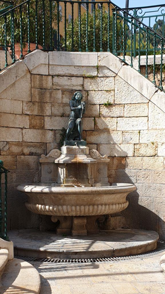 Grasse fontaine