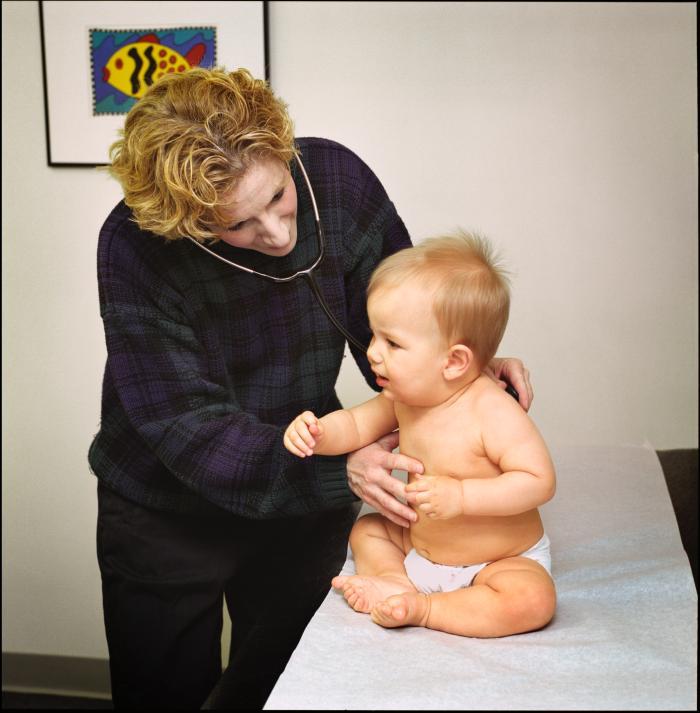 bébé chez la pédiatre - bronchiolite